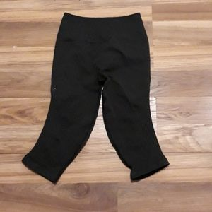 Lululemon black highwaist (size removed)